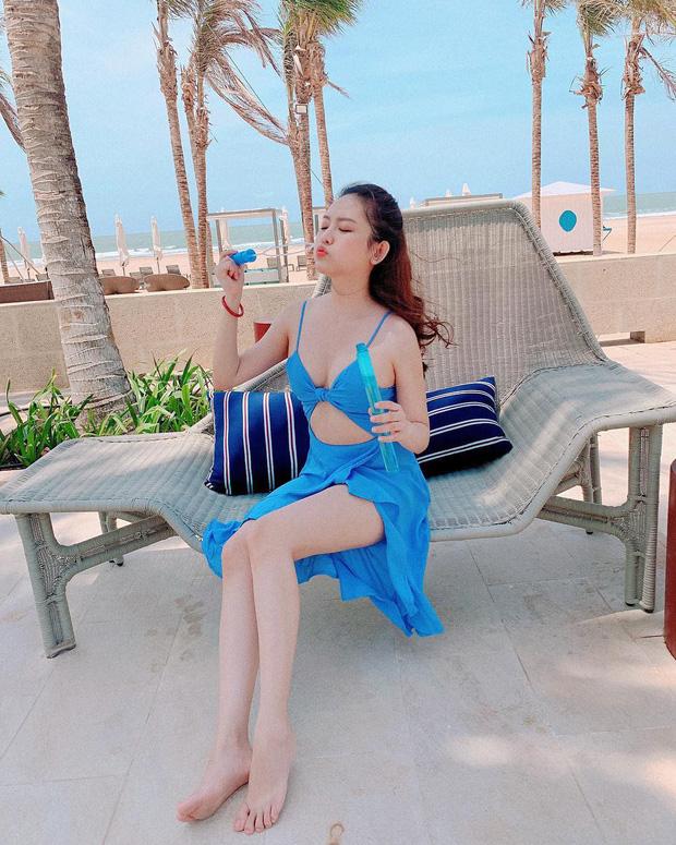 """Du lịch kiểu hơi mệt"""" của Thúy Vi: ở trong resort cả ngày, thay chục bộ bikini bên bể bơi, tìm mỏi mắt không thấy ảnh đi ra ngoài!-8"""