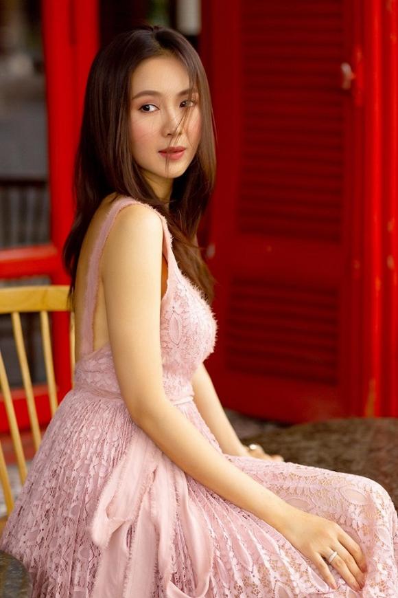 Trong phim Hoa hồng trên ngực trái bị chồng ngoại tình và bạo lực, ngoài đời cuộc sống của Hồng Diễm ra sao?-15
