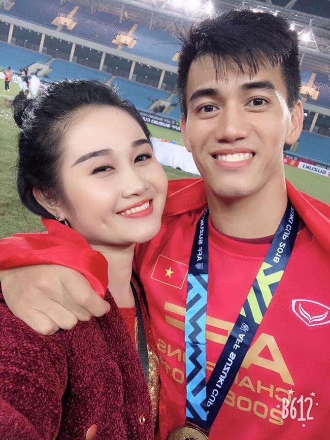 Dàn gái xinh xứ Nghệ khiến các cầu thủ Việt mê như điếu đổ-1