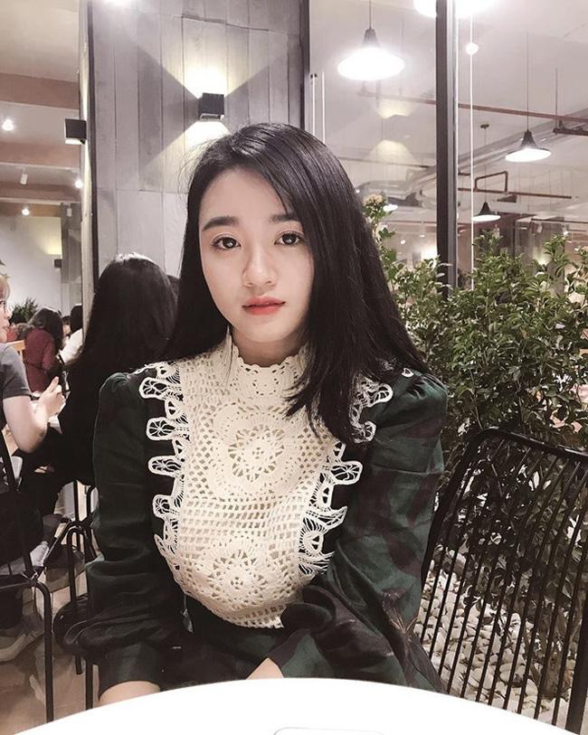 Dàn gái xinh xứ Nghệ khiến các cầu thủ Việt mê như điếu đổ-9
