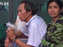 Nhớ nhà khóc tới phát ốm, tân sinh viên xin rút hồ sơ về quê