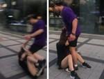 Con trai bị giành đồ chơi, người mẹ hung hãn bất chấp lao đến kéo lê đứa trẻ còn lại khiến ai cũng phẫn nộ-4