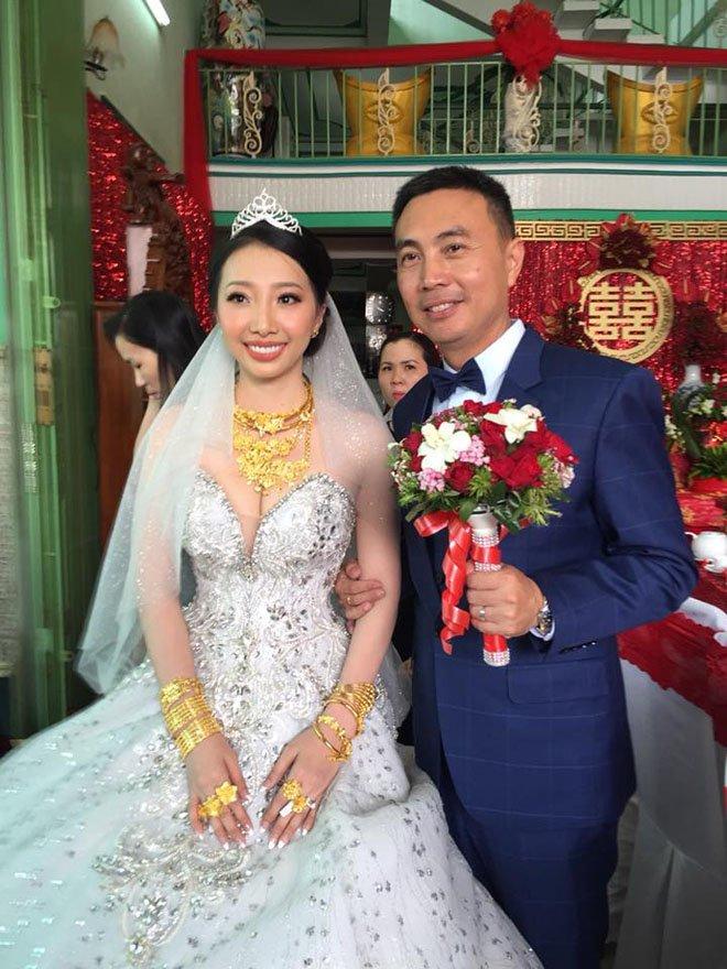 Cô dâu Hậu Giang đeo 30 cây vàng trong đám cưới sau gần 2 năm kết hôn giờ ra sao?-3