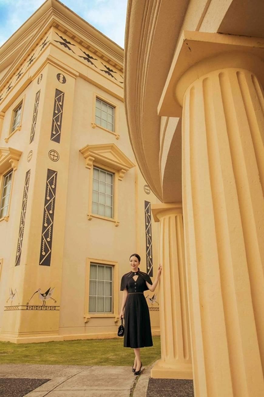 Hoa hậu Đền Hùng Giáng My toát lên phẩm chất quý cô khi dạo bước ở phủ tổng thống Palau-5
