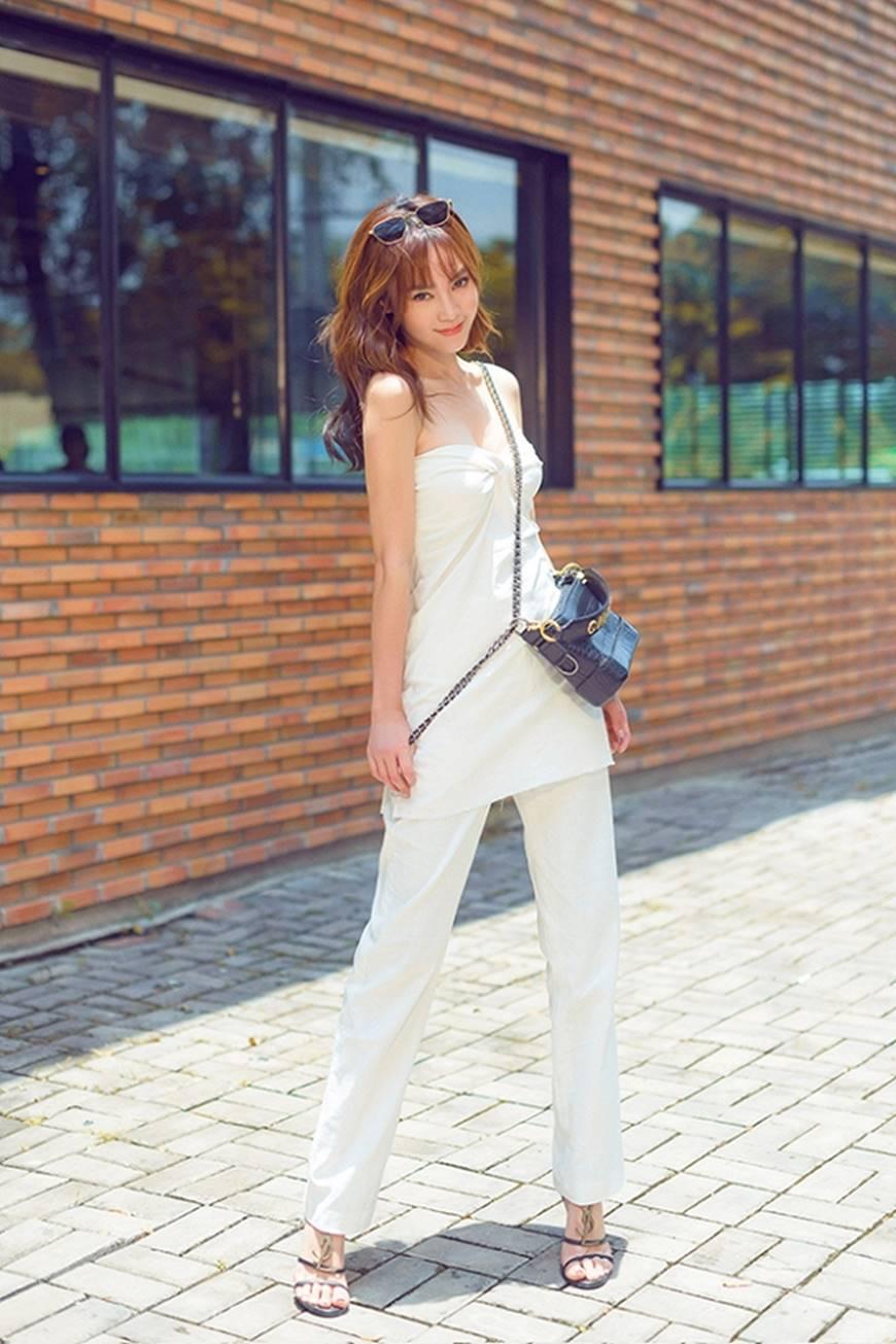 Mặc đầm dạ hội thì đẹp xuất sắc, đến lúc Ninh Dương Lan Ngọc khoe street style thì dân tình càng mê mệt hơn-2