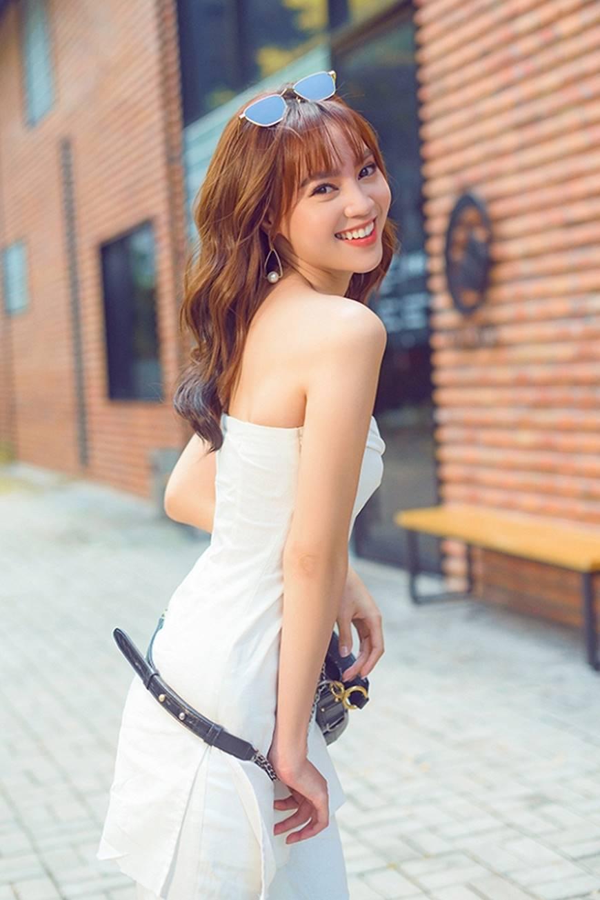 Mặc đầm dạ hội thì đẹp xuất sắc, đến lúc Ninh Dương Lan Ngọc khoe street style thì dân tình càng mê mệt hơn-3