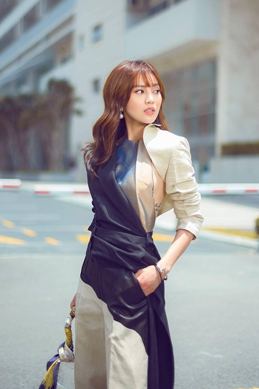 Mặc đầm dạ hội thì đẹp xuất sắc, đến lúc Ninh Dương Lan Ngọc khoe street style thì dân tình càng mê mệt hơn-10