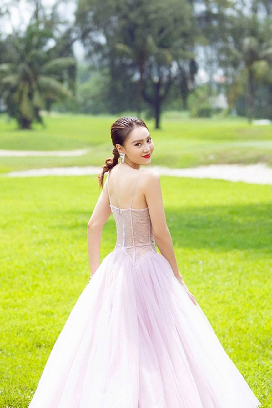Mặc đầm dạ hội thì đẹp xuất sắc, đến lúc Ninh Dương Lan Ngọc khoe street style thì dân tình càng mê mệt hơn-20