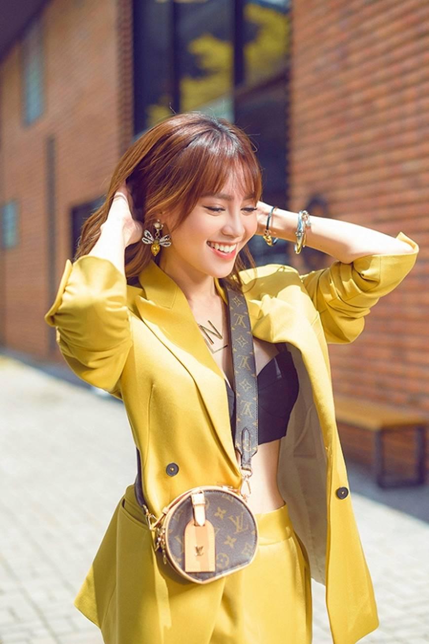 Mặc đầm dạ hội thì đẹp xuất sắc, đến lúc Ninh Dương Lan Ngọc khoe street style thì dân tình càng mê mệt hơn-7