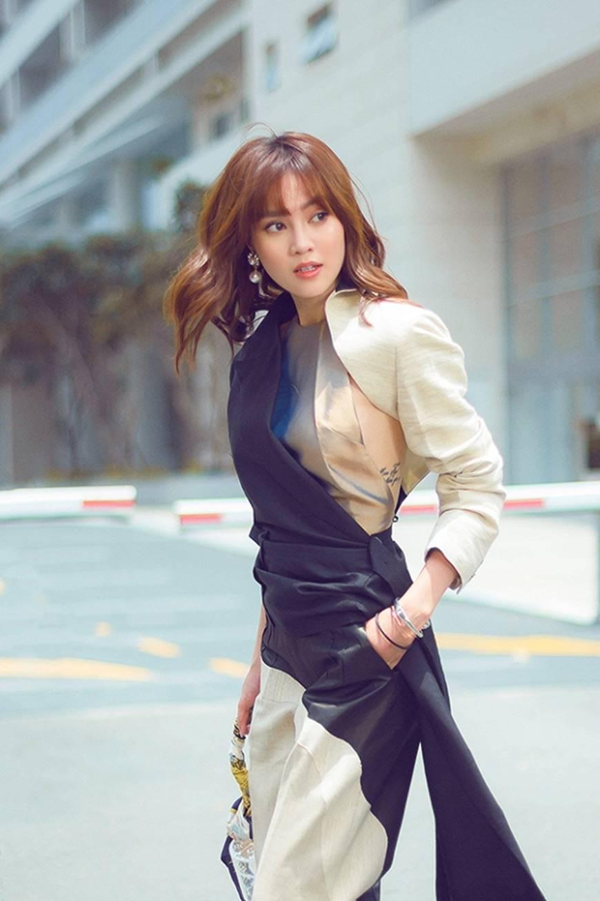 Mặc đầm dạ hội thì đẹp xuất sắc, đến lúc Ninh Dương Lan Ngọc khoe street style thì dân tình càng mê mệt hơn-9