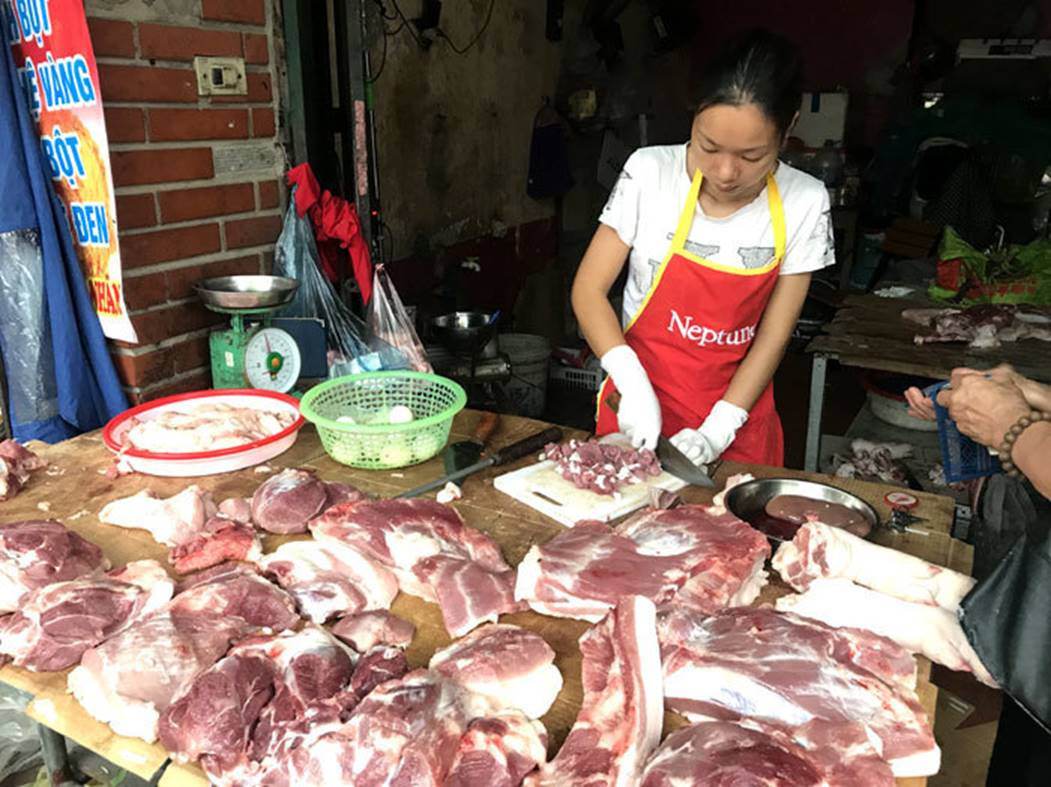 40 tấn thịt thối đưa đi làm giò chả, buôn bán miếng ăn mà ác quá-2