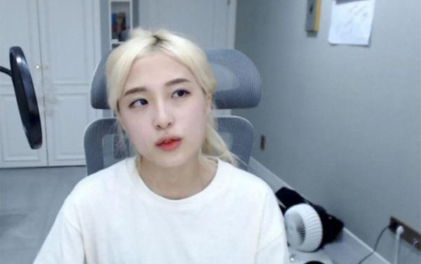Chi 600 triệu đồng hẹn gặp nữ YouTuber nhưng bị từ chối, fan cuồng nhảy cầu tự tử để đòi lại tiền-1