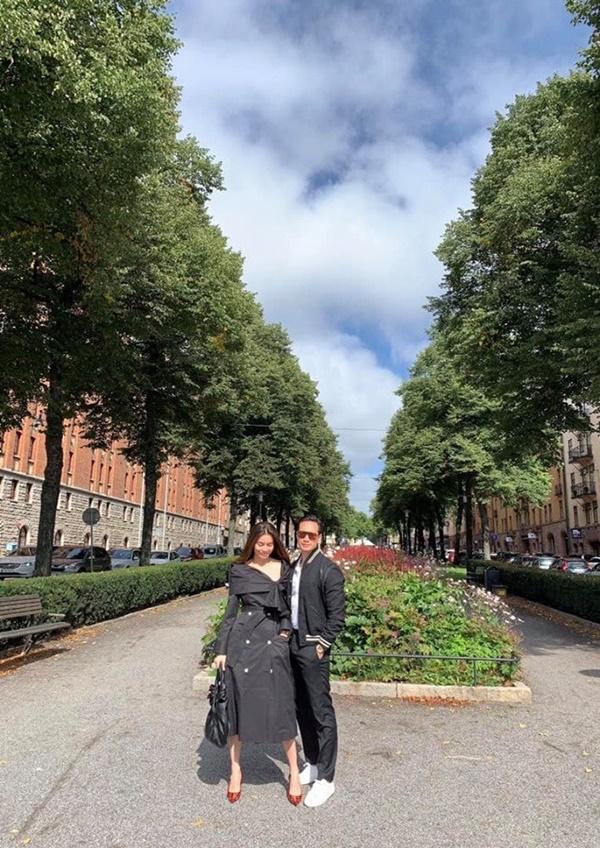 Kim Lý âu yếm Hồ Ngọc Hà tại tư gia Thụy Điển, fans chỉ mong nữ ca sĩ sớm trở thành dâu con trong nhà-4