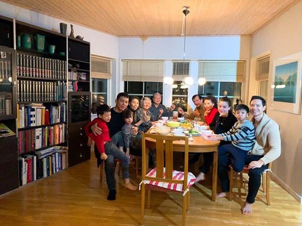Kim Lý âu yếm Hồ Ngọc Hà tại tư gia Thụy Điển, fans chỉ mong nữ ca sĩ sớm trở thành dâu con trong nhà-14