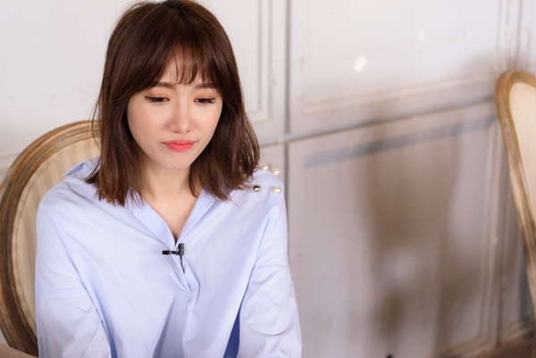 Từ vụ Hari Won gọi sai tên Châu Bùi: Người bình thường thì được, MC thì không, nói ngọng thì chớ phát ngôn trước cả triệu người!-8