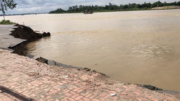 Flycam: Rùng mình với cảnh Quốc lộ 91 ở An Giang bị nuốt chửng-6