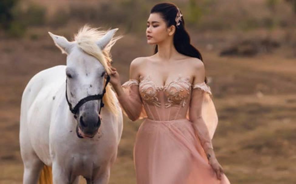 Hậu ly hôn, Trương Quỳnh Anh, Anh Thư thay đổi style ăn mặc-5
