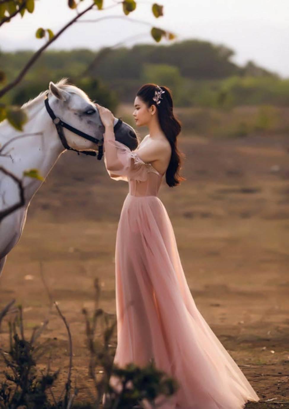 Hậu ly hôn, Trương Quỳnh Anh, Anh Thư thay đổi style ăn mặc-6