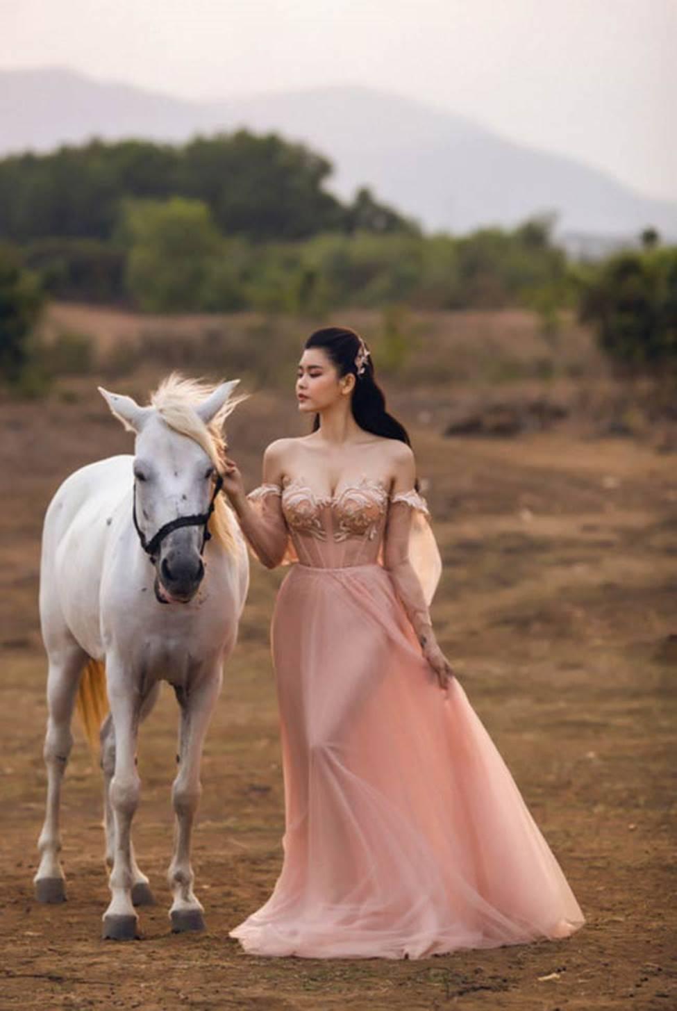 Hậu ly hôn, Trương Quỳnh Anh, Anh Thư thay đổi style ăn mặc-7