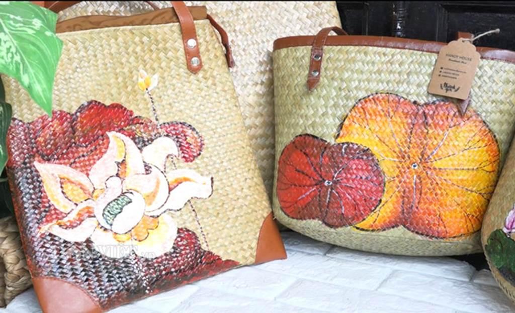 Bộ sưu tập túi xách thời trang khủng từ cỏ dại của 8X Đồng Tháp-6