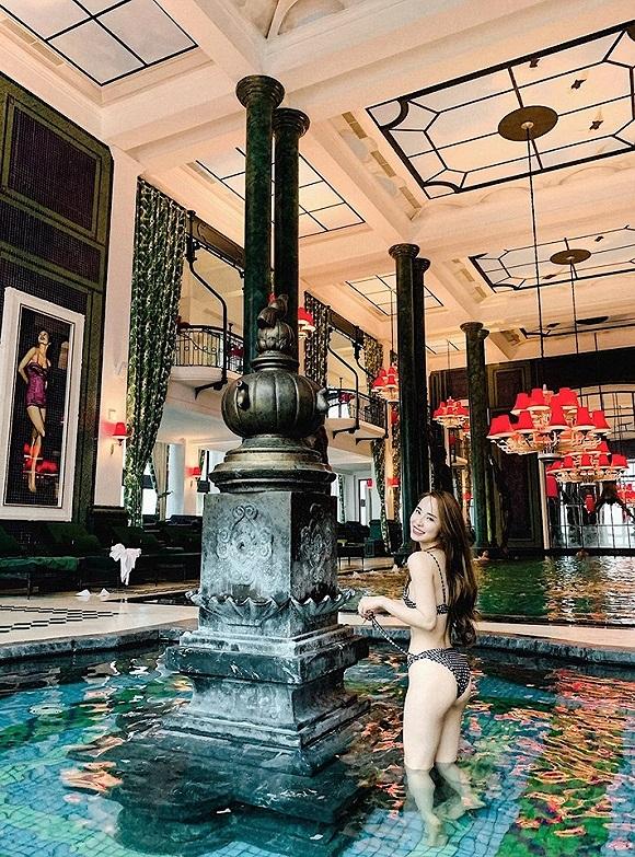 Diện bikini khoe vòng eo 55cm, Quỳnh Nga khiến fan dụi mắt vài lần-2