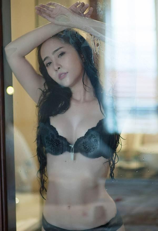 Diện bikini khoe vòng eo 55cm, Quỳnh Nga khiến fan dụi mắt vài lần-6