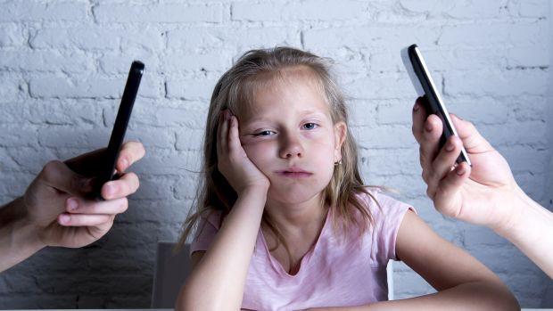 Chuyên gia cảnh báo: Nghiện điện thoại ở trẻ cũng tương tự nghiện ma túy, cha mẹ có thể ngăn chặn bằng hành động cực đơn giản-5