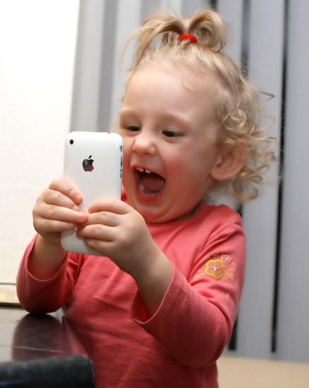Chuyên gia cảnh báo: Nghiện điện thoại ở trẻ cũng tương tự nghiện ma túy, cha mẹ có thể ngăn chặn bằng hành động cực đơn giản-6