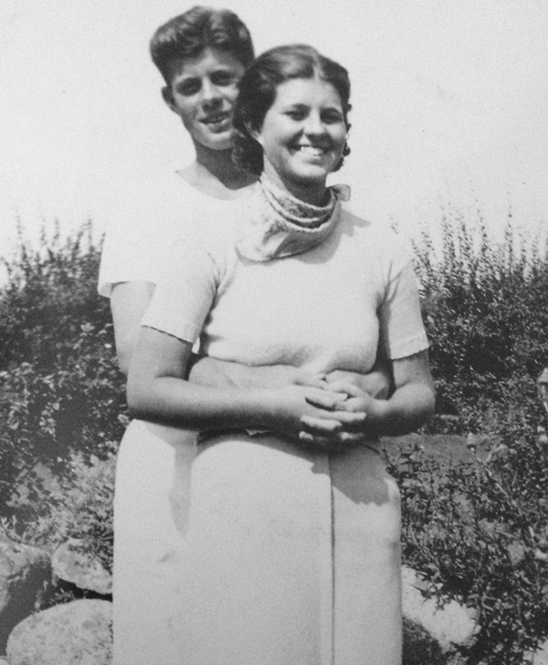 Cuộc đời của em gái cựu Tổng thống Mỹ: Từ lúc chào đời đã không bình thường, về sau rơi vào cảnh tật nguyền, bị cả gia đình phủ nhận-2