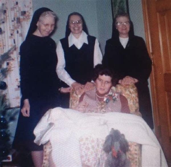 Cuộc đời của em gái cựu Tổng thống Mỹ: Từ lúc chào đời đã không bình thường, về sau rơi vào cảnh tật nguyền, bị cả gia đình phủ nhận-5