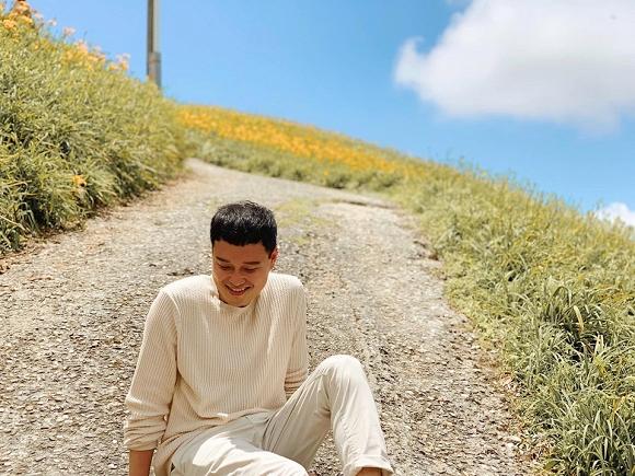 Quang Vinh điển trai, đi ngắm hoa kim châm ở Đài Loan-5