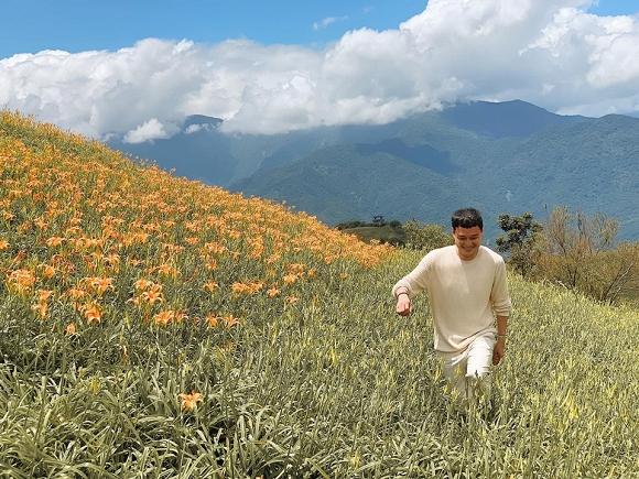 Quang Vinh điển trai, đi ngắm hoa kim châm ở Đài Loan-6