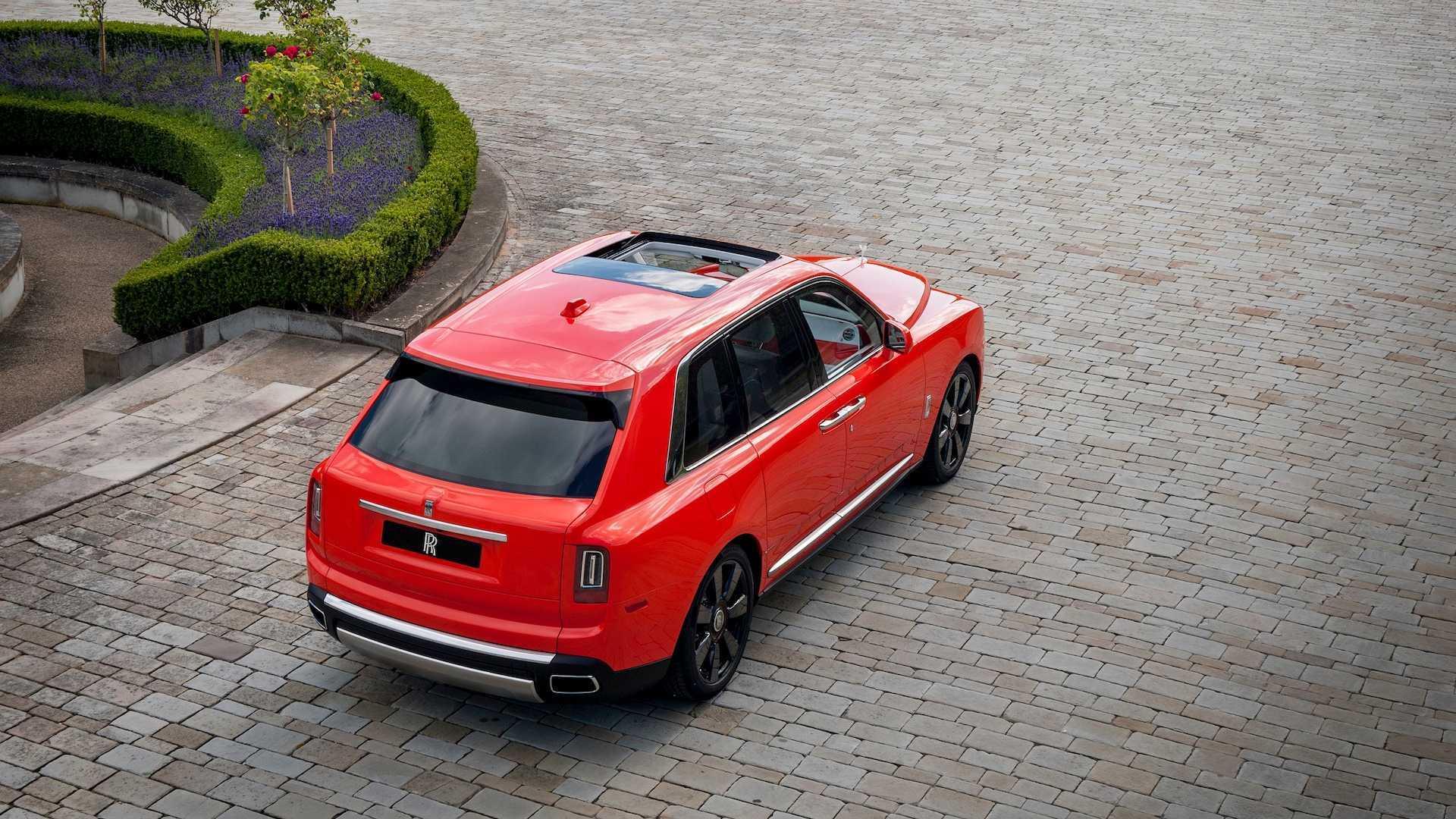 Đại gia sở hữu 10 siêu xe Rolls-Royce màu độc, đặt theo tên mình-12