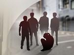 Vụ bé gái tiểu học bị 11 thiếu niên xâm hại tập thể: Từng bị đến 2 người quen của mẹ cưỡng bức nhưng mẹ bỏ bê không ngó ngàng-4