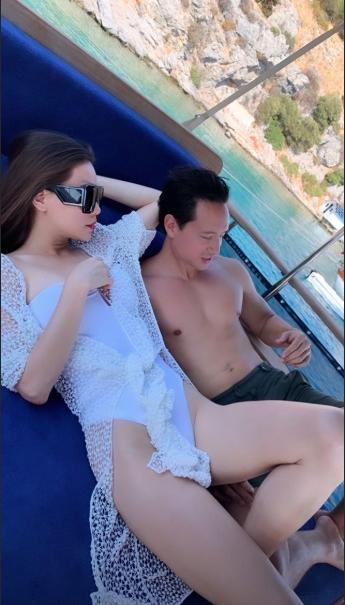 Du hí châu Âu: Hồ Ngọc Hà mải thả dáng thì gặp sự cố, Kim Lý phô diễn những múi cơ cuồn cuộn lại bị bạn gái dìm hàng-3