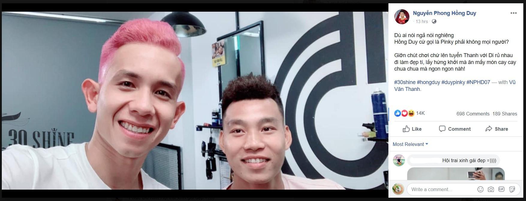 Văn Thanh, Hồng Duy khoe kiểu tóc mới trước trận đấu với Thái Lan-2