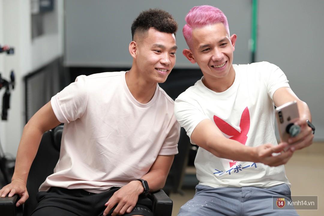 Văn Thanh, Hồng Duy khoe kiểu tóc mới trước trận đấu với Thái Lan-5