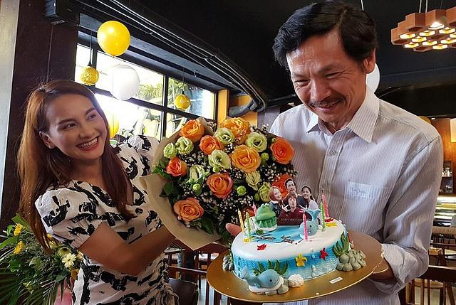 Dàn diễn viên 'Về nhà đi con' đồng loạt chúc mừng 'bố Sơn' Trung Anh-2