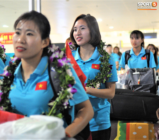 Nữ tuyển thủ Việt Nam gây bão mạng: Tôi bất ngờ vì nổi tiếng chỉ sau một đêm-9