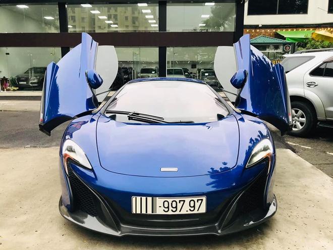 Ngắm siêu xe mui trần màu xanh cực độc, giá hơn 9 tỷ đồng ở Hà Nội-2