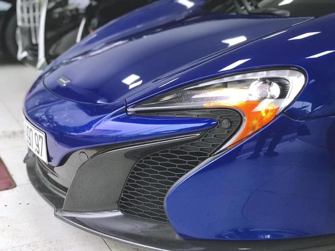 Ngắm siêu xe mui trần màu xanh cực độc, giá hơn 9 tỷ đồng ở Hà Nội-3