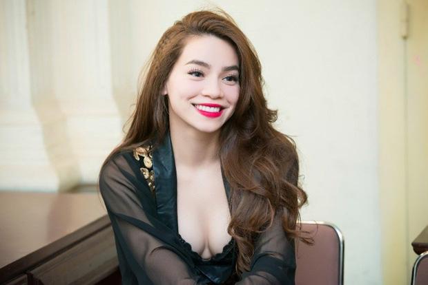 Hồ Ngọc Hà khiến netizen giật mình thon thót khi diện váy o ép, vòng 1 lại chỉ muốn trào ra ngoài-3