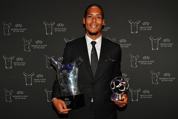 Trắng tay không có giải thưởng để khoe, Ronaldo vẫn có cách sống ảo kiếm về ngay 5 triệu lượt thả tim-3