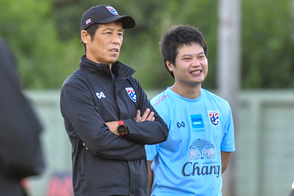 Tuyển Việt Nam đấu Thái Lan: Cân tài thầy Park và HLV Akira Nishino-2