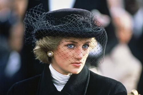 22 năm ngày mất của Công nương Diana quá cố: Nhiếp ảnh gia tiết lộ chi tiết đau lòng trong đám tang lịch sử-4
