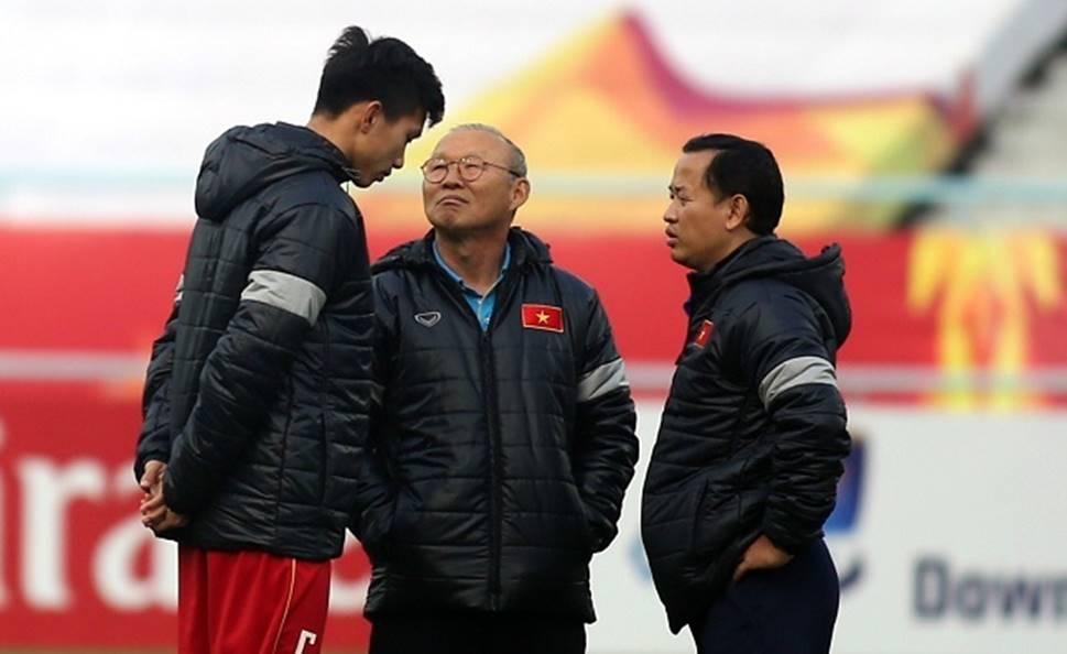 Thầy Park sốc Văn Hậu sang Hà Lan, lo vắng mặt SEA Games-1