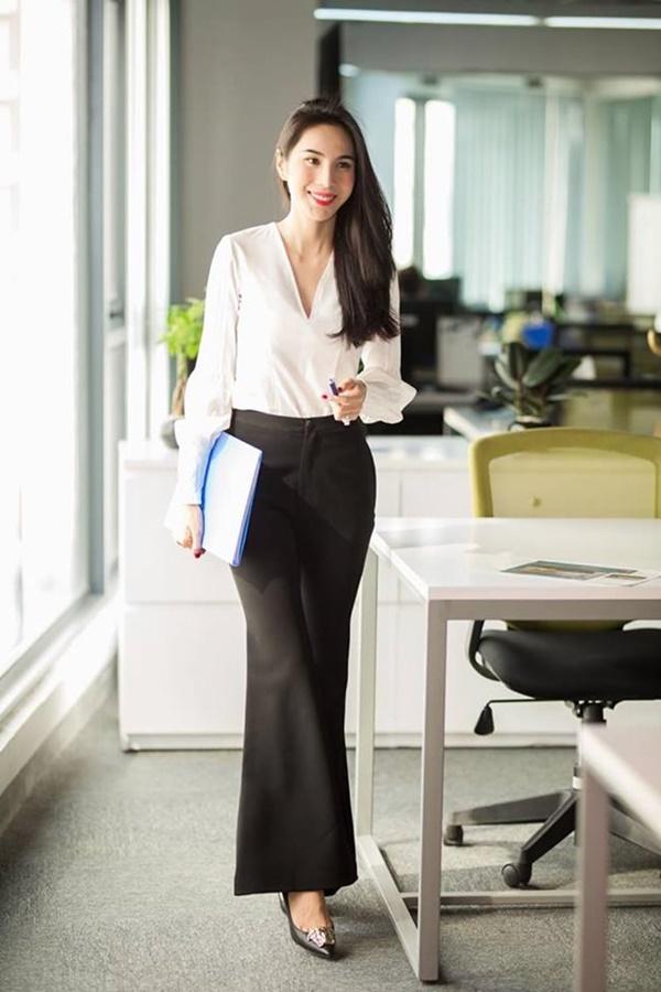 2 nàng WAG Việt chân dài nhất mê mặc hở, phô trọn dáng gợi cảm, nuột nà-7