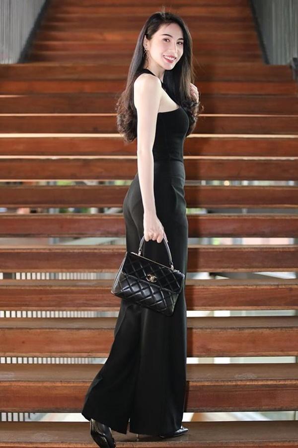 2 nàng WAG Việt chân dài nhất mê mặc hở, phô trọn dáng gợi cảm, nuột nà-8