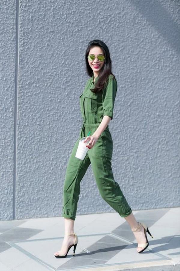 2 nàng WAG Việt chân dài nhất mê mặc hở, phô trọn dáng gợi cảm, nuột nà-9
