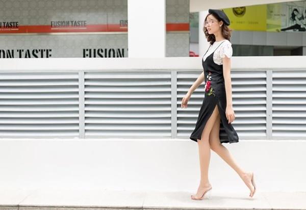 2 nàng WAG Việt chân dài nhất mê mặc hở, phô trọn dáng gợi cảm, nuột nà-13